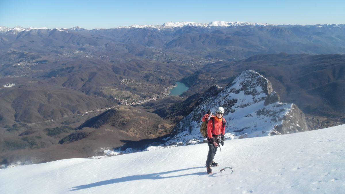 In posa con cresta della Mirandola, Lago di Gramolazzo e Appennino modenese