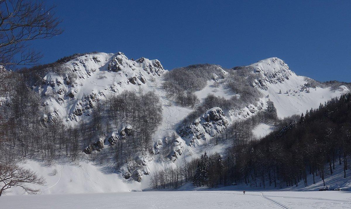 Con buon innevamento la parte alta è spesso discesa in sci